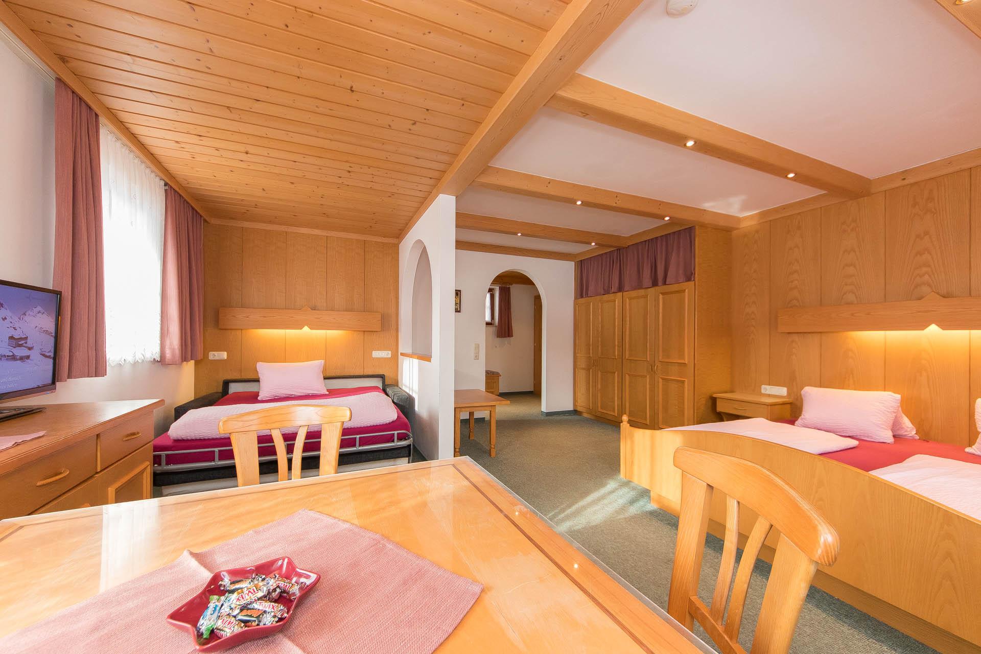 Familienzimmer in kaprun zell am see urlaub am unteraigenhof for Urlaub familienzimmer
